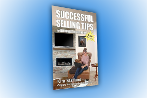 Successful Selling Tips for Introverted Authors by Kim Staflund. A Book Review By Claude Whitacre